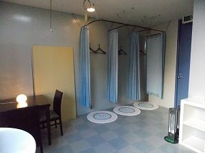 池袋 レンタルスタジオ はお着換えスペースがたくさんあります