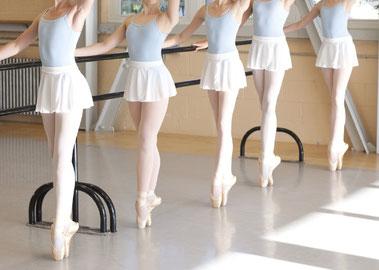 幼児〜大人まで通えるバレエ教室 YURI BALLET STUDIO